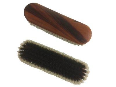 Kleiderbürste schwarze Kunstborste weisser Rand